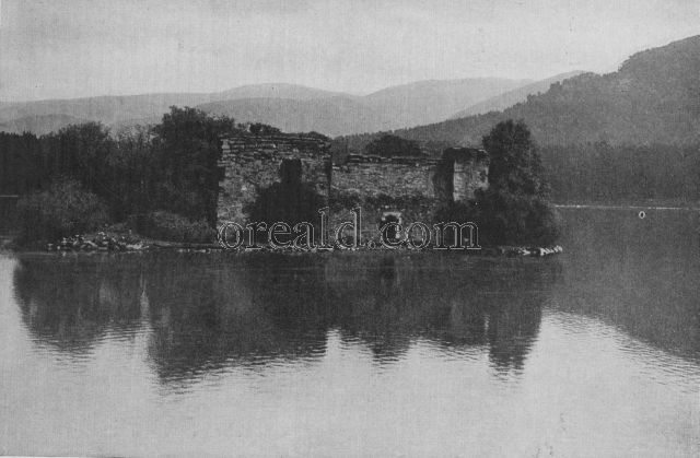 THE ISLAND STRONGHOLD OF THE WOLF OF BADENOCH IN LOCH AN EILAN
