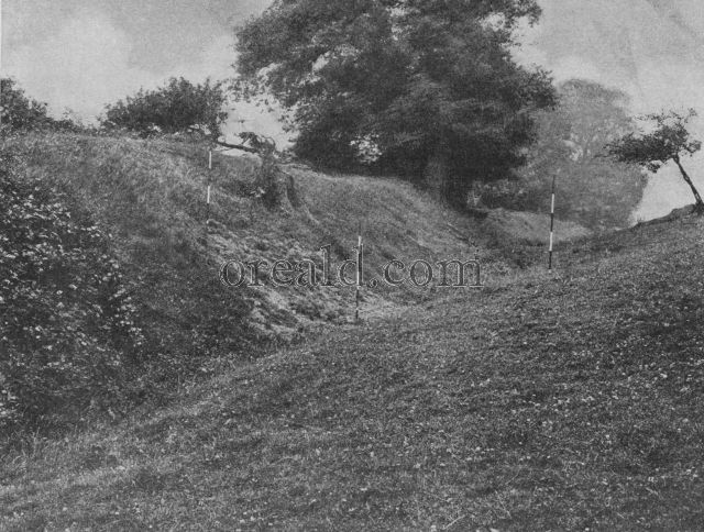 OFFA'S DYKE WHERE IT EMERGES IN CHIRK PARK, DENBIGHSHIRE
