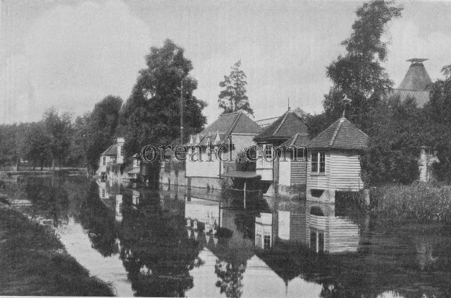OLD HERTFORDSHIRE TOWN OF WARE BY THE BANKS OF THE LEA
