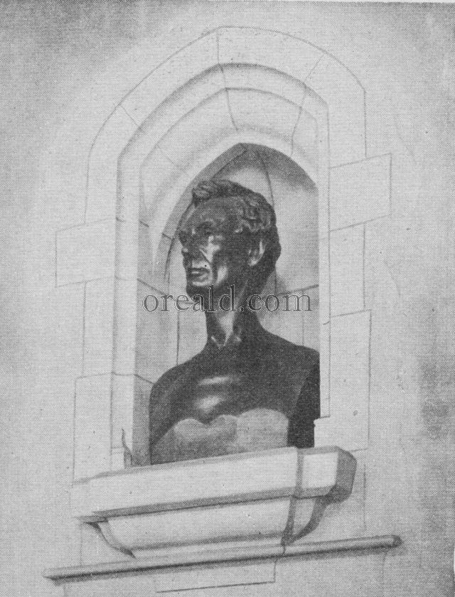 BUST OF LINCOLN AT HINGHAM CHURCH
