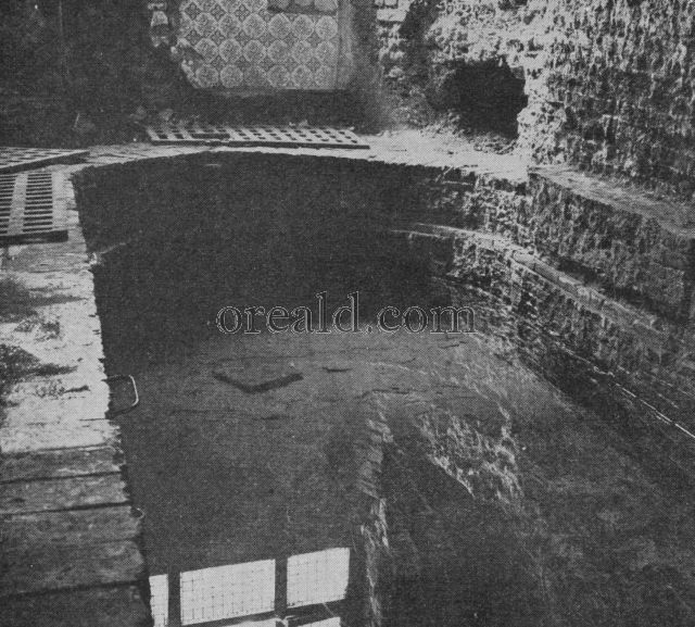 BATH OF A ROMAN VILLA IN THE STRAND