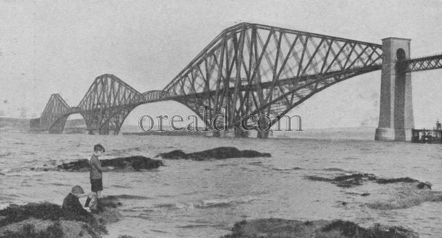 BRITAIN'S GREATEST ENGINEERING WONDER, THE FORTH BRIDGE FROM THE SOUTH