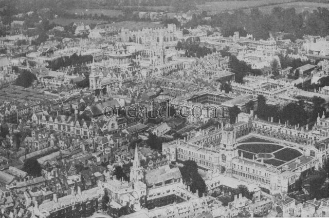 THE DREAMING SPIRES OF OXFORD AS ONLY THE AEROPLANE CAN SEE THEM